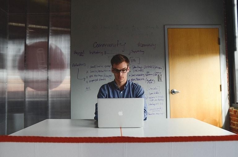 5 qualités à développer chez un rédacteur web freelance