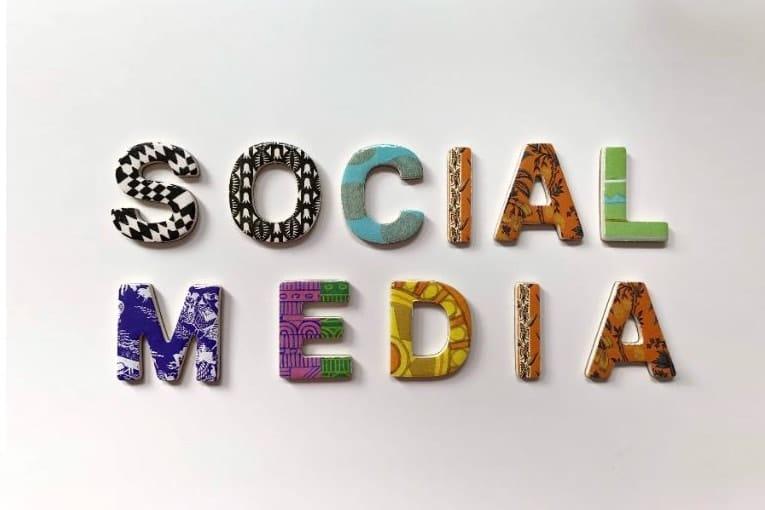 Community manager : quelle différence avec le social média manager?