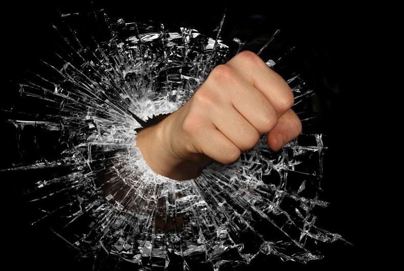 Harcèlement service client : que faire face à un client hors de contrôle?